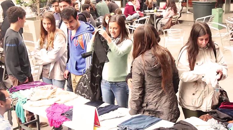 Feria de las Pulgas en la Escuela de Publicidad UDP