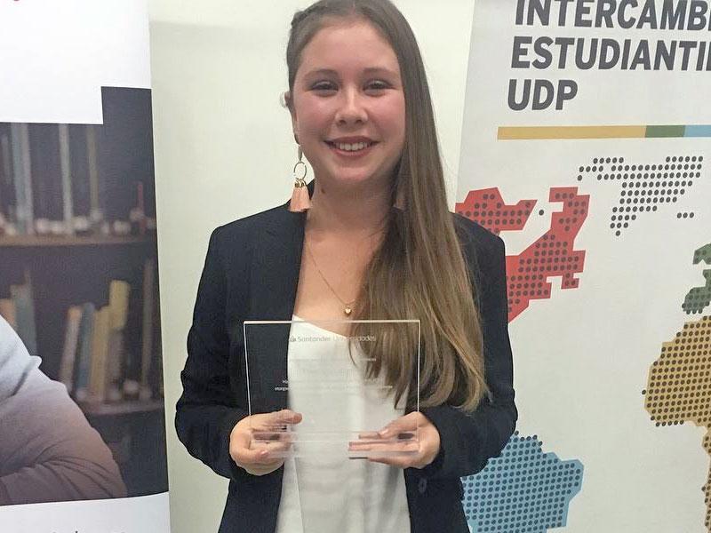 Francisca Lozano gana beca para estudiar en España